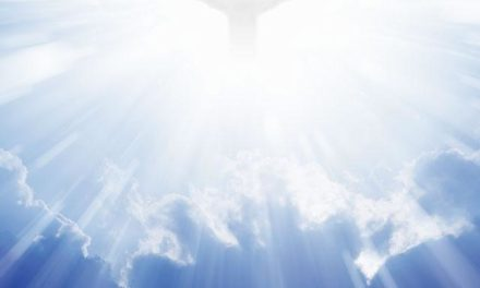 Hymn: Lo! He Comes With Clouds Descending