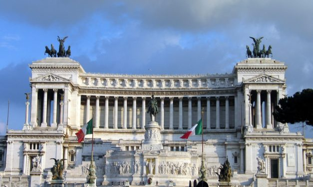 Friday Music: Inno a Roma