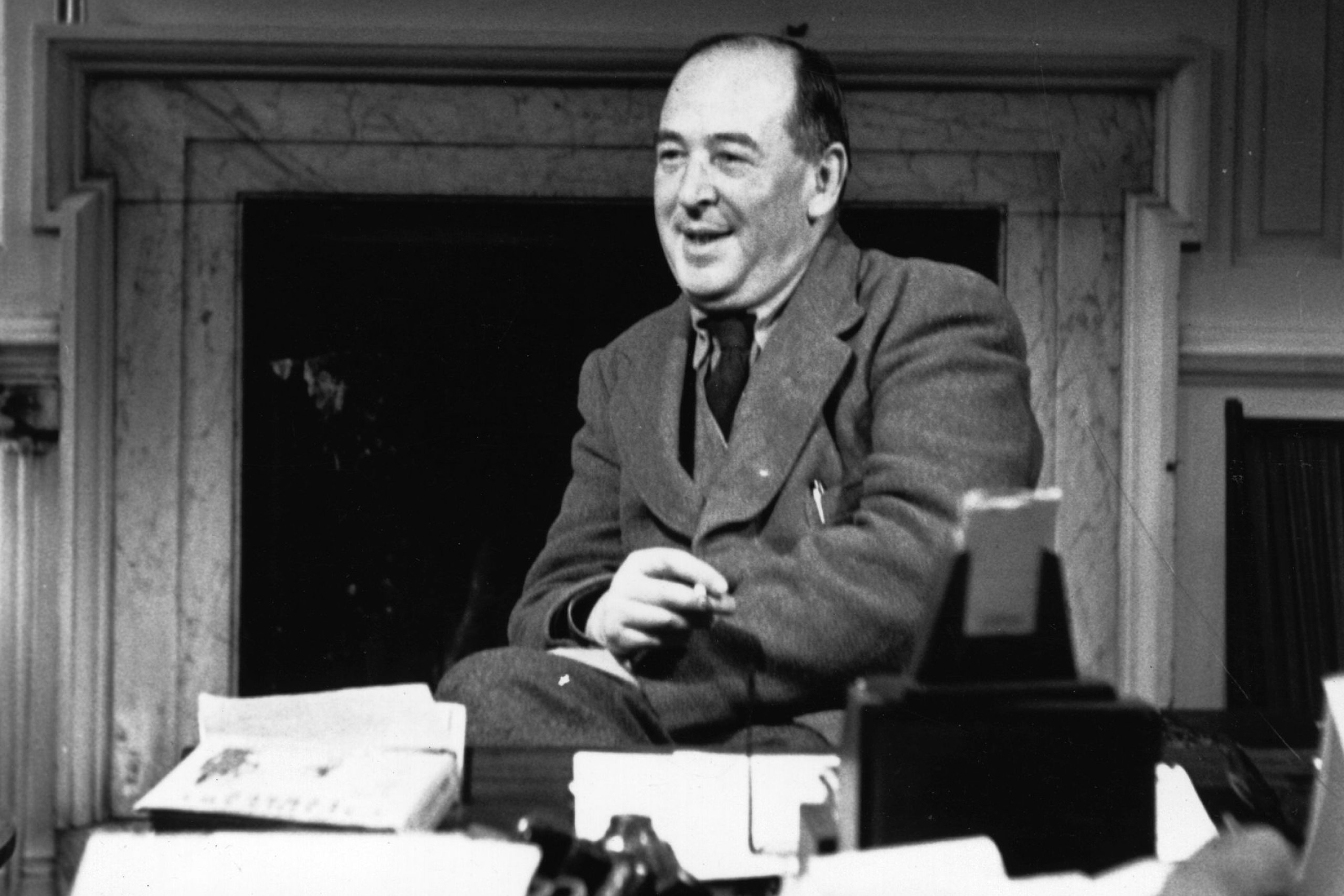 the motif of the christian faith in the literary works of clive staples lewis Facts about cs lewis bring the information about a poet, novelist and literary critic from britain he was born on november 29th, 1898 and died on november 22nd, 1963 his full name is clive staples lewis.